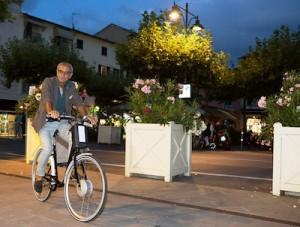 La bicicletta a pedalata assistita aiuta a restare in forma?