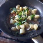 Gnocchi di patate: sul cestino di grana è meglio