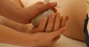 Potali, il massaggio con i fagottini di erbe. A che cosa serve?