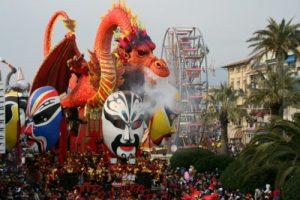 E' Carnevale tra feste e sfilate: rito pagano che piace a bambini e adulti