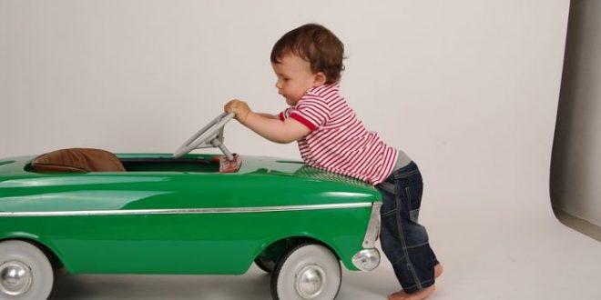 Seggiolini auto: nuove norme in arrivo per garantire più sicurezza ai bimbi