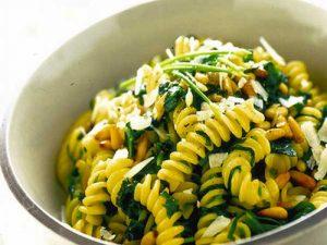 I Pinoli, alimento molto nutriente e come la frutta secca, molto ricco di proteine
