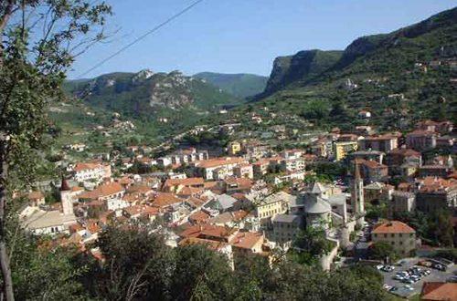 Turismo sostenibile: i mille borghi della bell'Italia: Finalborgo