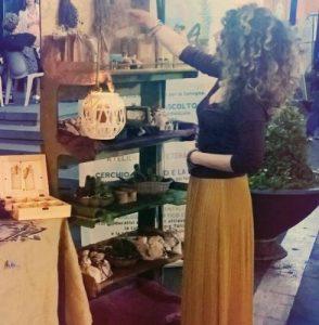 Terra: vivere a piedi scalzi sul Pianeta. Intervista con Valentina Cardone