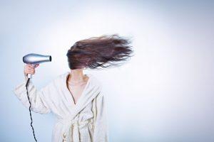 Psoriasi del cuoio capelluto: difficile da trattare. Ecco come curarla