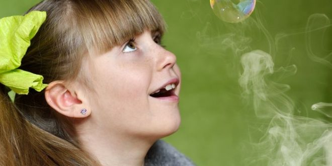 Fumo e bambini: rischio cardiovascolare nei figli di fumatori