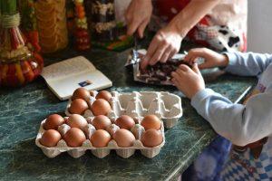 Genitori a tavola: 100 risposte ai dubbi di mamma e papà