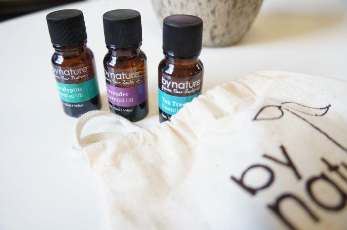Tea tree oil: mille benefici in una boccetta. Ecco come usarlo