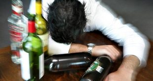Ragazzi sotto i 21 anni: ecco tutti i rischi legati all'alcool