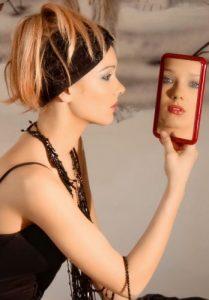Gli altri come specchio: ecco il più grande segreto delle relazioni