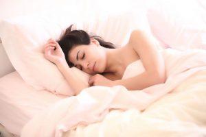 Sonno e disturbi di genere: la donna dorme meno e peggio dell'uomo