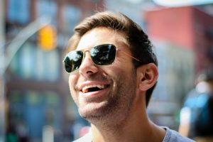 Risate contagiose: cinque buoni motivi per ridere di più