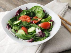 Longevità e alimentazione controllata: quel che la dieta può fare