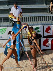 Beach volley: mette a rischio caviglie, ginocchia e arti superiori