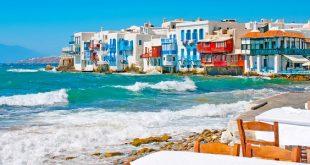 Mykonos: rilassarsi nell'azzurro di mare e cielo (in un contesto magico)