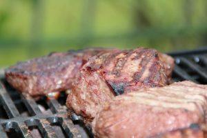 Agosto, tempo di grigliate: che cosa mettere sul barbecue?
