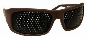 occhiali a fori stenopeici