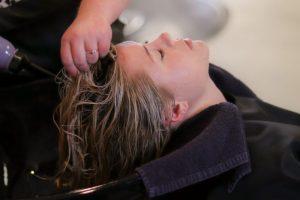 Passione per i capelli: perché è necessario scegliere lo shampoo giusto?