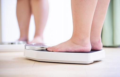 Gestione del peso: l'obesità è una malattia con molte cause