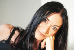 Elena Mearini, quando i passi di una madre non fanno rumore
