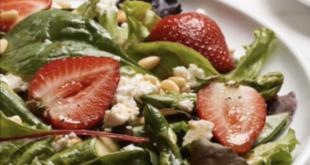 Insalata di asparagi e fragole: fantasia e gusto, semplicemente