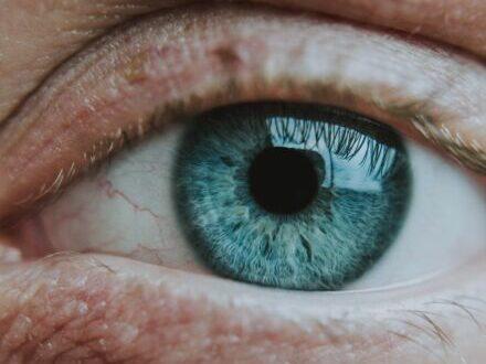 Iridologia: guardami negli occhi e ti dirò come stai